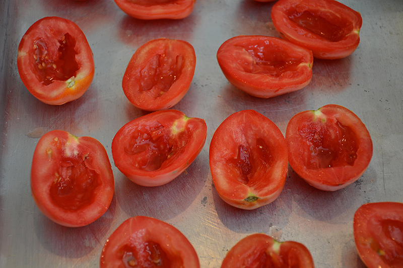Tomatoes-to-dry-in-the-sun-Poros-Greece