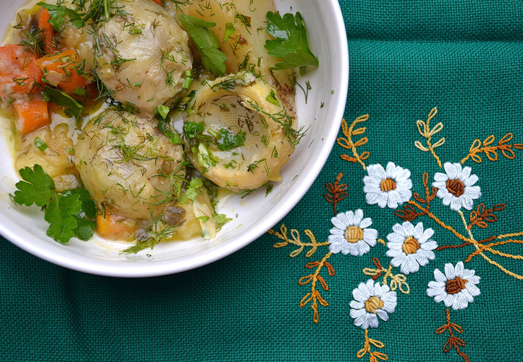 Artichokes-with-fresh-lemons