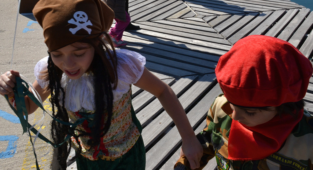 Dressed-up-for-Kids-all-dressed-up-for-Apokries-Greek-Carnival-on-Poros