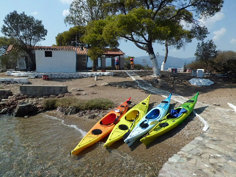 Sea-Kayaking-stop-at-Poros-teachers-island