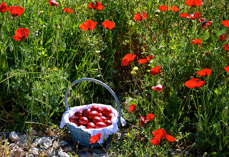 The-red-eggs-of-Greek-Easter