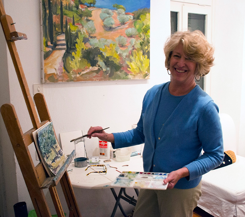 Pamela-Jane-Rogers-painting-in-her-studio