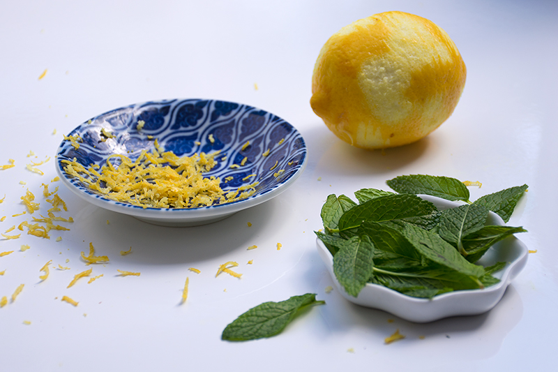 Lemon and mint for the cookies