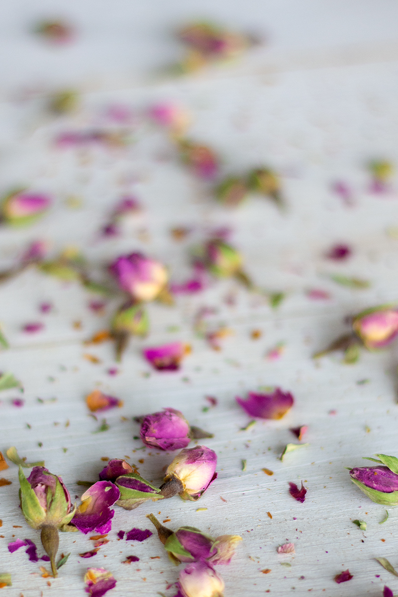 Rose buds for the relaxing tea