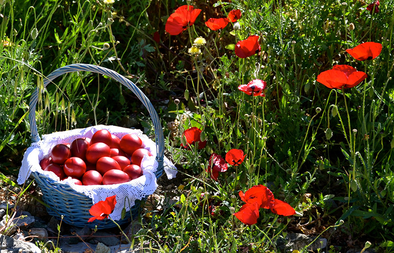 The-red-eggs-for-Greek-Easter