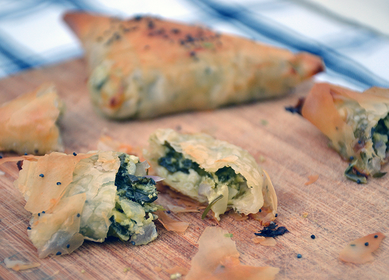 Spinach-triangles-spanakopitakia