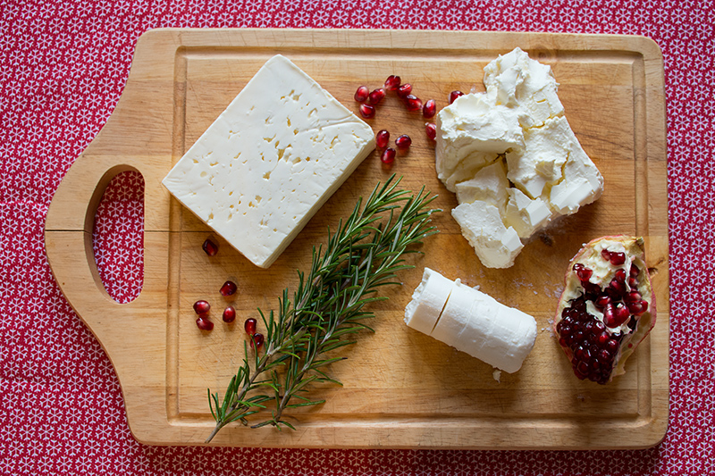 Ingredients for the Christmas feta balls with pomegranate seeds