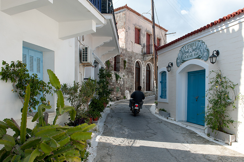 Top 5 things to do on Poros backstreets