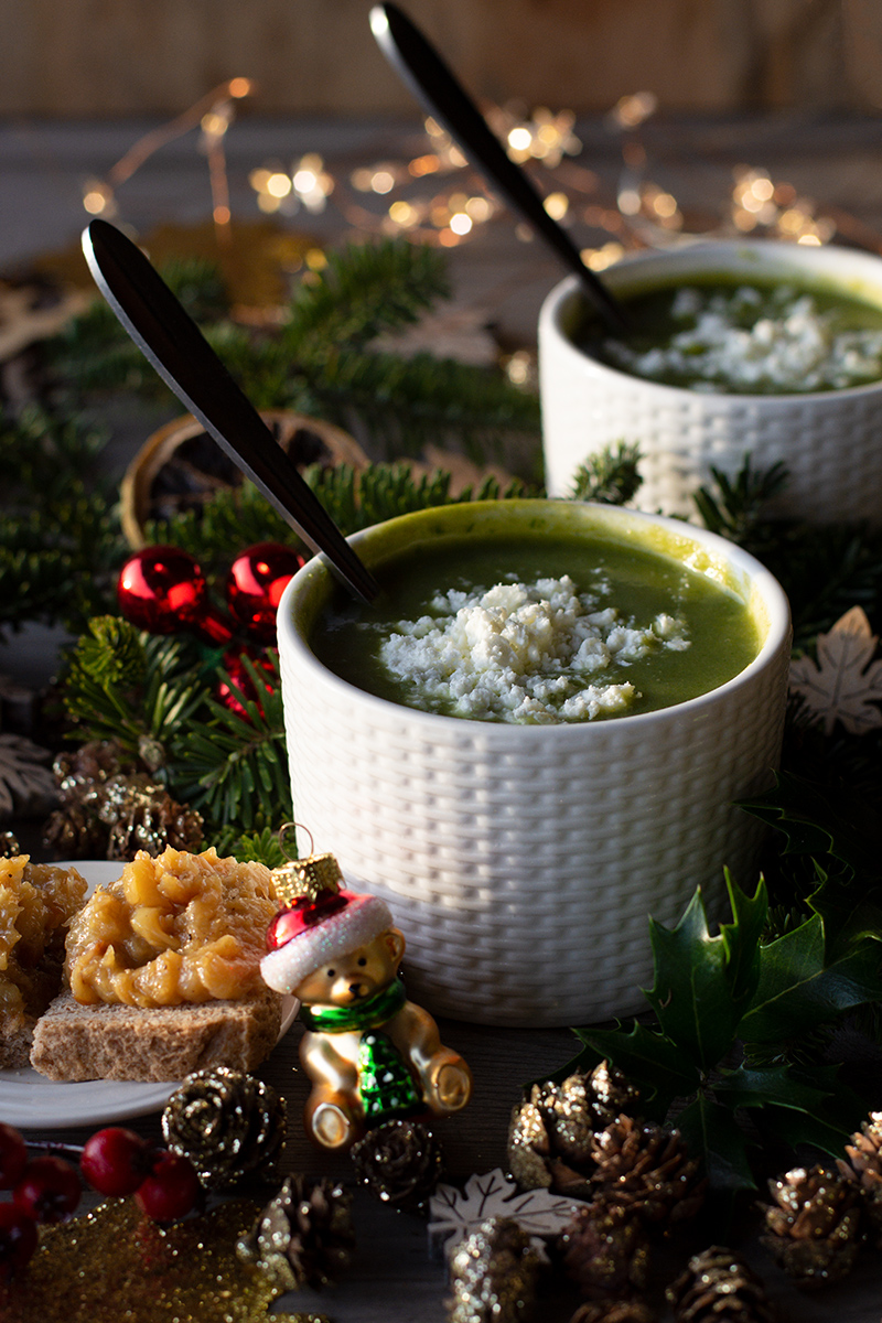 Spinach soup Christmas